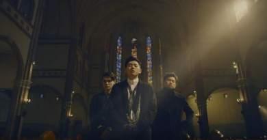 """Zico, Crush and DEAN Drops Collaboration Track """"Bermuda Triangle"""""""
