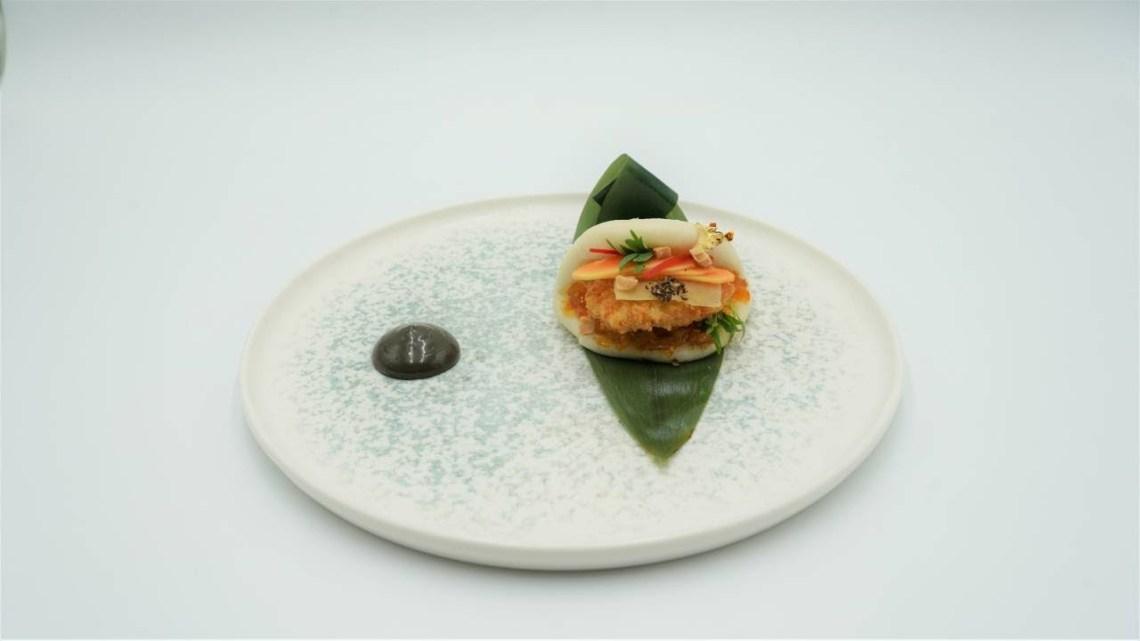 MasterChef 5 | Bun αστακού με μάνγκο τσάτνεϊ, πίκλες τζίντζερ, μαγιονέζα μαύρου σκόρδου
