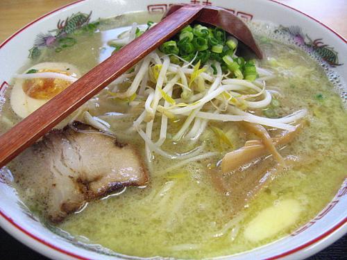 ラーメン家ひろき 塩バターラーメン(大盛)