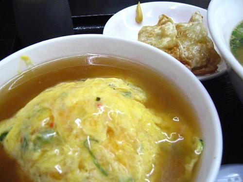 らーめんハウス めんぱる とんこつ醤油カツラーメントリオ 天津飯・揚ギョーザ