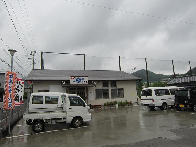 攻撃力増!高知市神田の人気店「セルフうどん さぬきや」