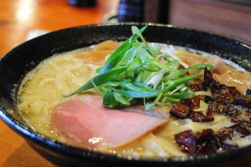 麺sHouse繋・白湯ラーメン3