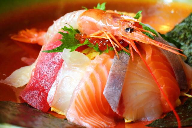 人気の活魚レストラン「漁ま」高知で海鮮丼ランチ