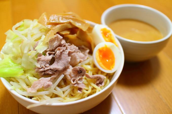 自作・デカ盛りつけ麺1