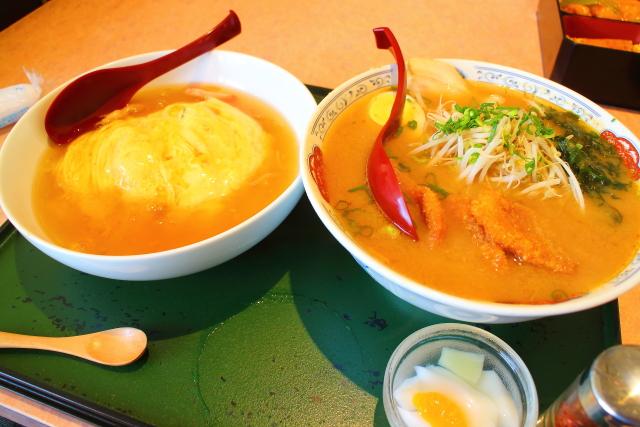 まんぷく処 暖家「味噌カツラーメン」と「天津飯」のセット
