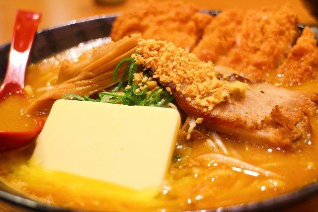 麺屋・國丸。南国店の味噌カツラーメン