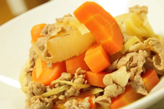 根菜と豚肉の生姜煮