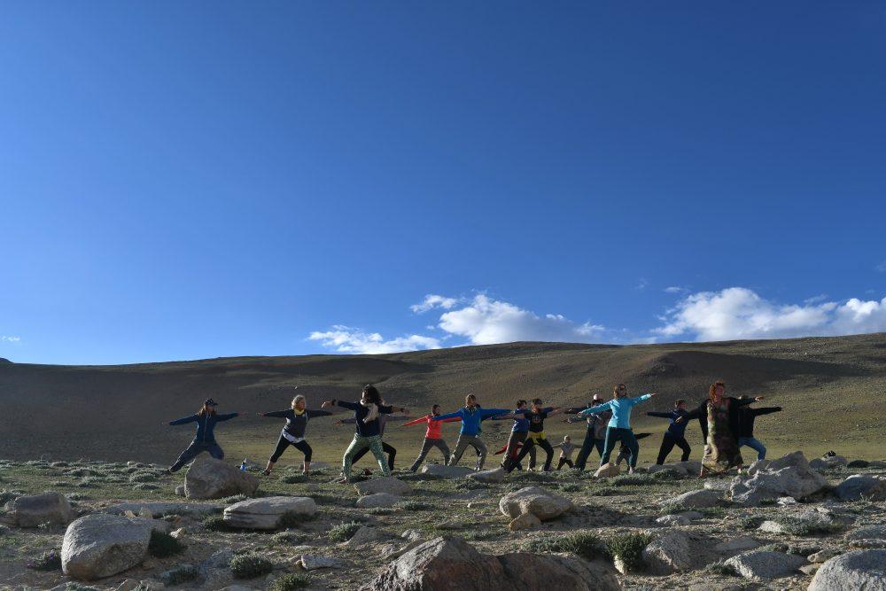 Yoga prés du lac Tso Moriri