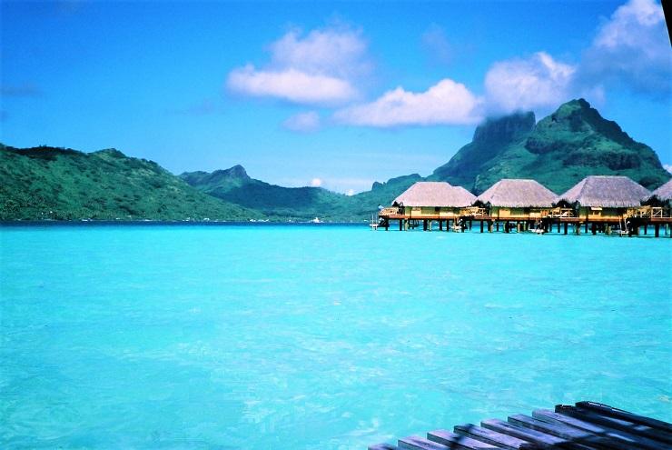 パールビーチホテル水上コテージ