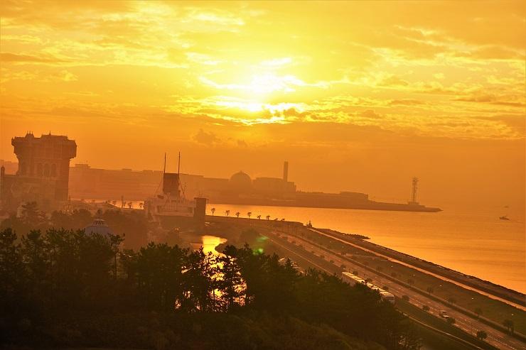 まぶしい朝陽