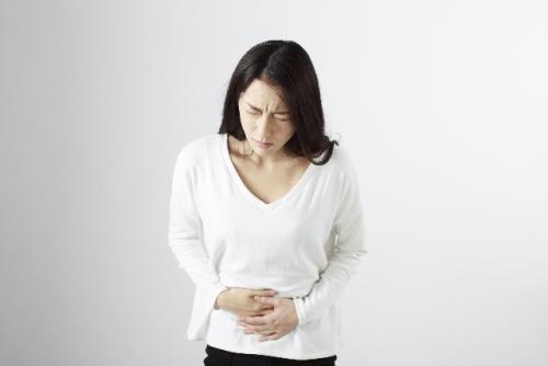 胆石・胆嚢炎の症状や原因・治療法は?手術法や食事は?