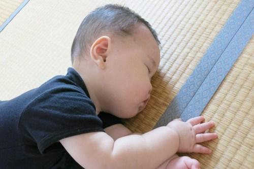 子供のいびきは風邪など鼻づまりか無呼吸症候群?治療法について