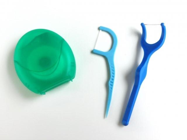 歯槽膿漏の症状や歯周病との違い!原因と人にうつるのか?
