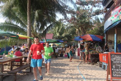Local food area, south from the island pier