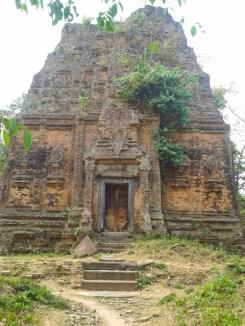 Yeay Poan temple