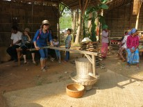 Khmer traditional rice mill - ឧបករណ៍កិនស្រូវ