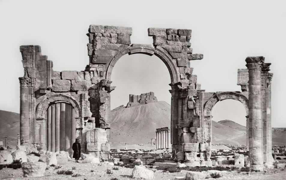 قوس النصر في مدينة تدمر الأثرية السورية بداية القرن العشرين