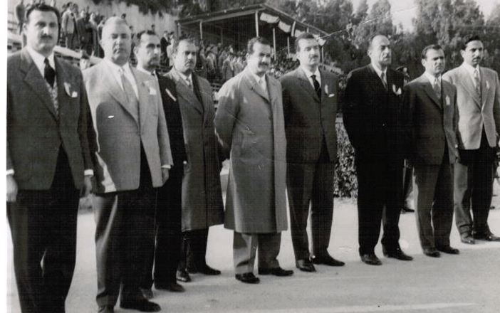دمشق 1960- إدارة نادي بردى في انتظار عبد الحميد السراج