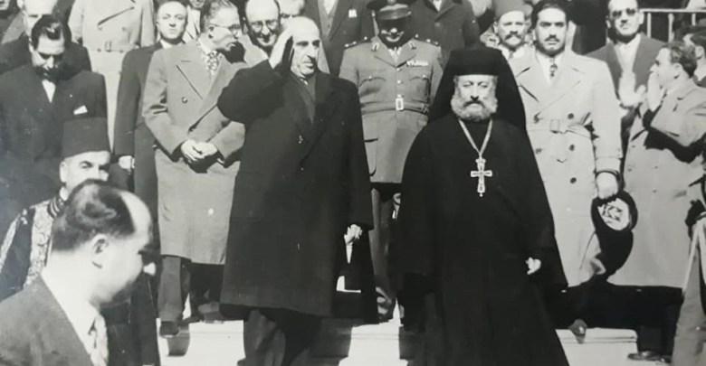 شكري القوتلي على درجالكاتدرائية المريمية عام 1956