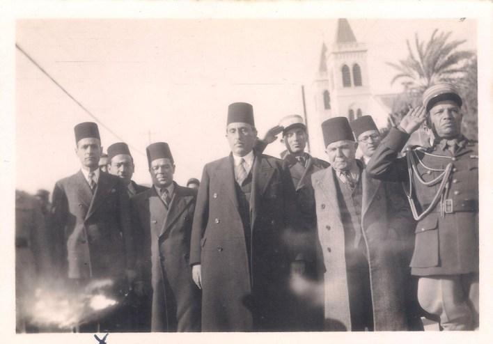 شكري القوتلي وفارس الخوري في اللاذقية عام 1944
