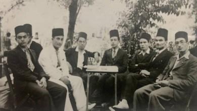 حلب 1936 - عبد السلام العجيلي مع طلاب مدرسة التجهيز