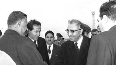 جمال عبد الناصر وصلاح الدين البيطار بعد انتهاء مؤتمر القمة العربي 1964