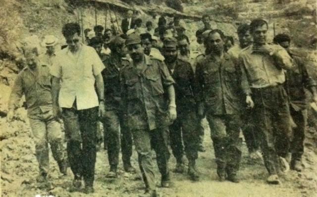 زيارة أعضاء من قيادة البعث إلى المعسكر الانتاجي لاتحاد الطلبة في كسب 1968