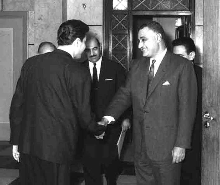 جمال عبد الناصر يستقبل إبراهيم ماخوس - حزيران 1966 (5)
