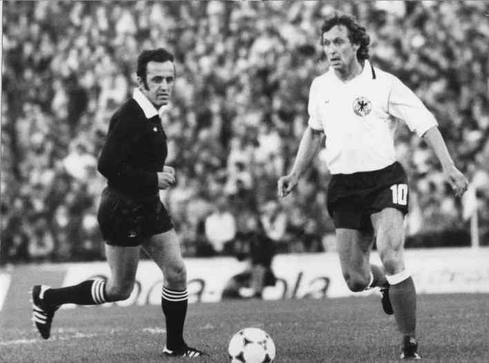 الحكم الدولي فاروق بوظو في نهائيات كأس العالم - الأرجنتين عام 1978م