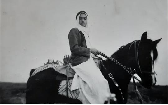 الرقة 1934- عبد السلام العجيلي على صهوة جواده في ريعان الصبا