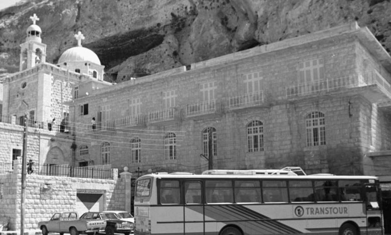ريف دمشق - دير مار تقلا في معلولا عام 1993