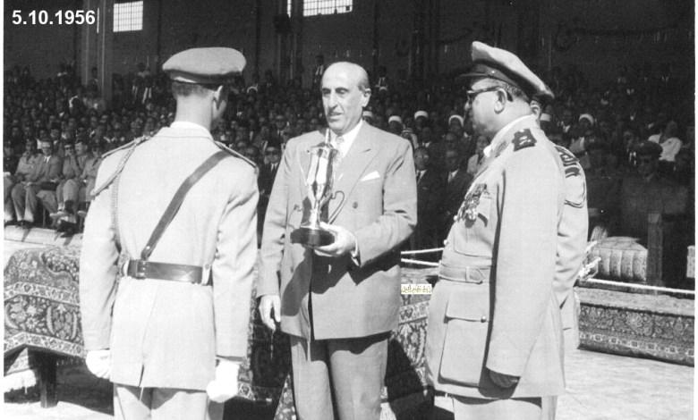 شكري القوتلي مع خريجي دورة ضباط القوى الجوية عام 1956 (4)