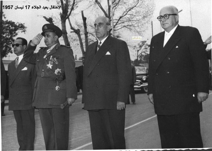 النشيد السوري عند وصول شكري القوتلي إلى مكان الاحتفال بعيد الجلاء 1957  ( 8 )