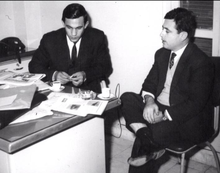 عبد الحليم خدام في زيارة لـ نصر شمالي في مكتب مجلة الطليعة في الستينيات