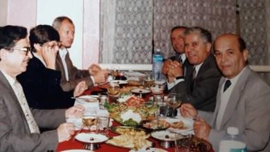 بعض أعضاء مجلس إدارة الهلال الأحمر في السويداء مع مدير مركز التنمية للشرق الأوسط 1996