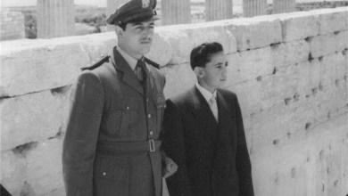 النقيب أديب شرف وزياد نظام الدين في تدمر 1957 (1)