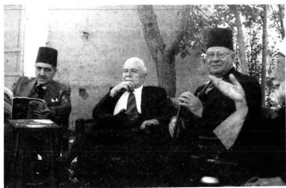 مصطفى برمدا وفارس الخوري وخليل مردم بك عام 1950