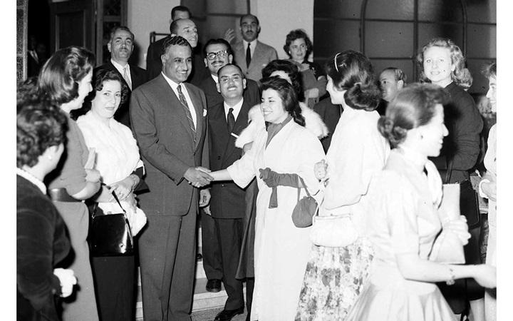 استقبال جمال عبد الناصر الوفد النسائي السوري في القاهرة عام 1958 (1)