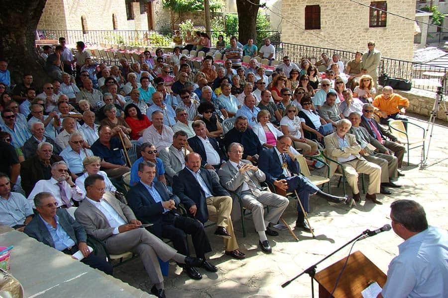 Λαϊκή Συνέλευση στην κεντρική πλατεία του Συρράκου