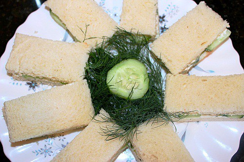 Cucumber Sandwich with Dill Cream Cheese Spread