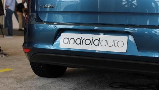 Android Auto ritirata dal Play Store di Google: ecco cosa accadrà