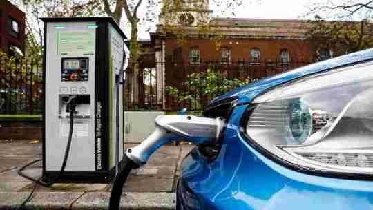 Questa super batteria ricarica la tua auto elettrica in 15 secondi