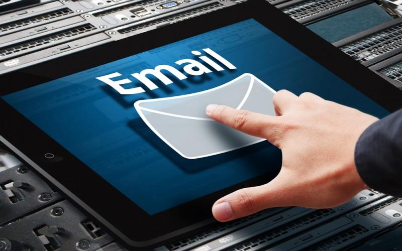 Come iniziare e concludere una mail da scrivere ad un professore