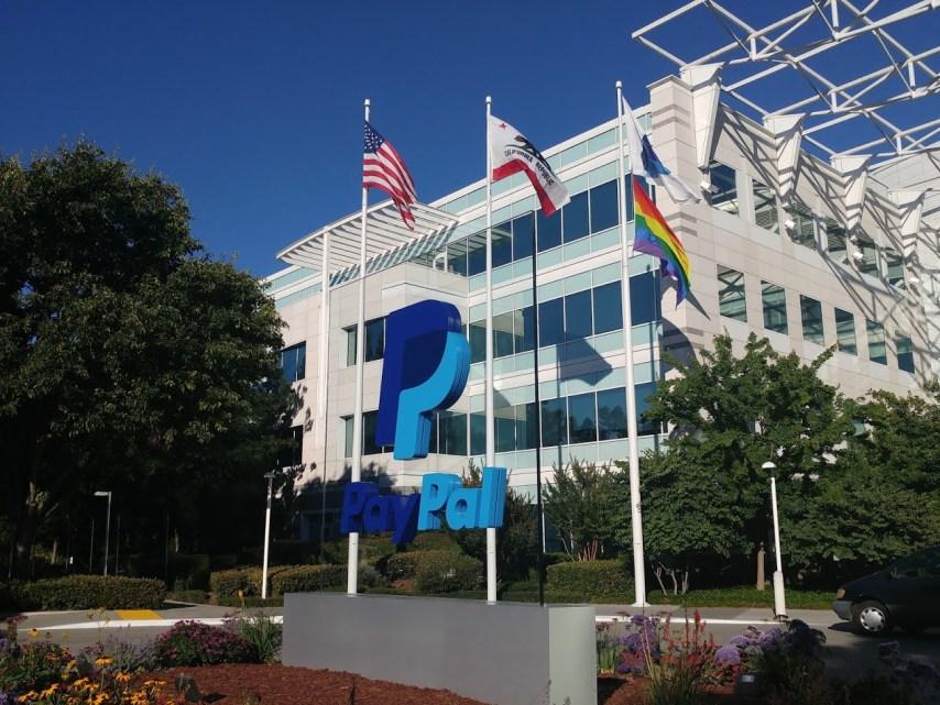 Come rimuovere i limiti del conto personale PayPal non verificato