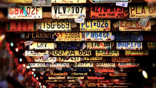 Plate Overlay: l'app per coprire le targhe delle auto nelle foto