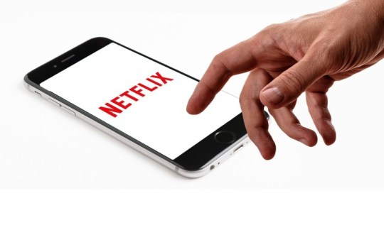Como excluir seu histórico de exibições do Netflix e assistir filmes offline