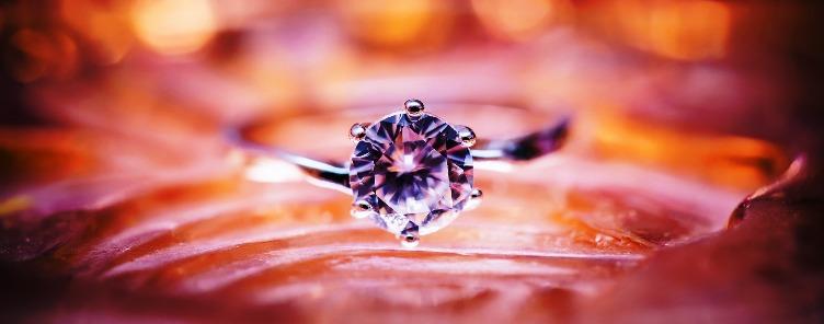Diamantes que levavam bilhões de anos para se formar, são criados em minutos