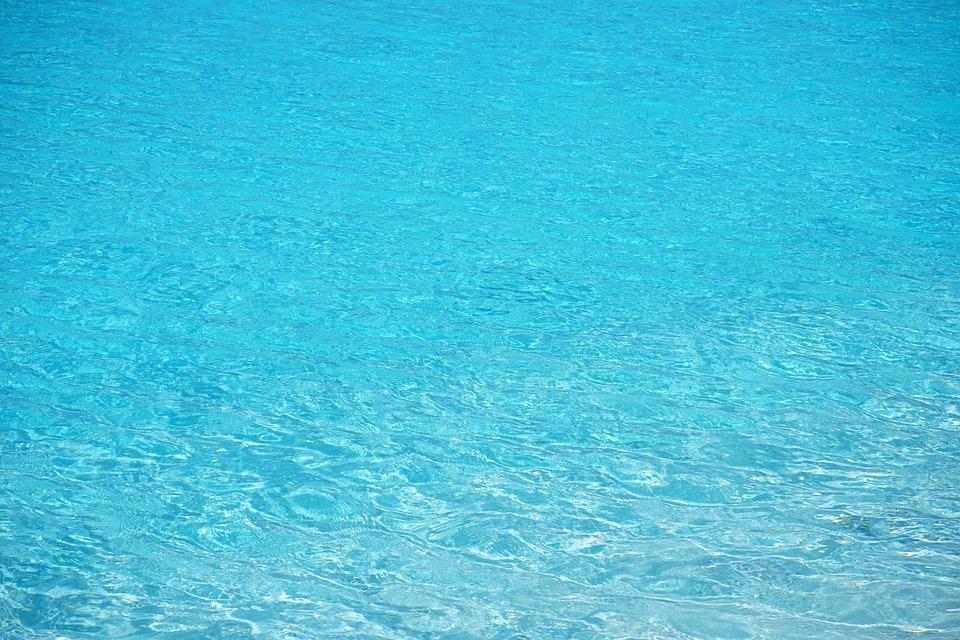 É possível transformar água do mar em água potável?