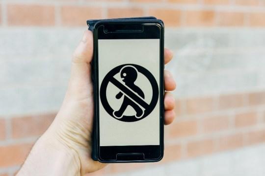 5 melhores protetores de tela de privacidade para o seu telefone