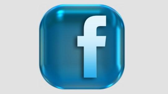 Como entro em contato com o Facebook sobre cobranças indevidas?